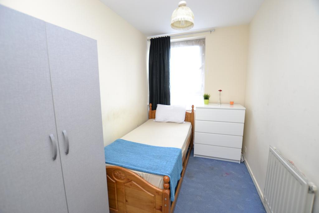 Magnificent 1 Bedroom Flat Share To Let In Knapp Road London E3 4Bt Download Free Architecture Designs Scobabritishbridgeorg
